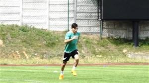 تمرین فرشاد احمدزاده در تیم اشلاسک وروچلاو