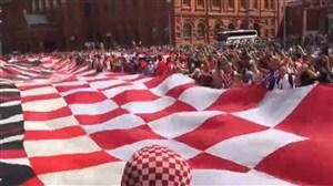 هواداران فرانسه-کرواسی در راه استادیوم لوژنیکی