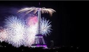 نورافشانی برج ایفل پس از قهرمانی فرانسه