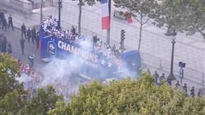 جشن قهرمانی فرانسه در خیابان شانزلیزه پاریس