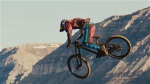 کلیپ تماشایی از هیجان دوچرخه سواری در کوهستان