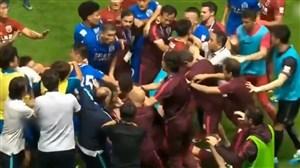 درگیری بازیکنان در زمین فوتبال (قسمت دوم)