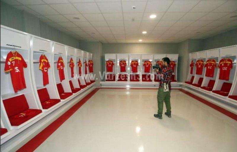 رختکن شیک فولاد آرهنا در انتظار مربیان لیگ برتری (عکس)