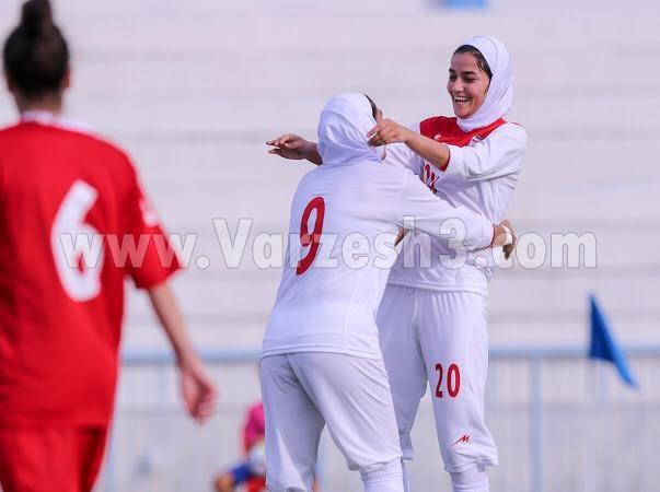 پدیده جدید فوتبال زنان؛ شیفته مسی عاشق سپاهان