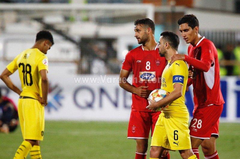 محمد نادری و ژاوی در بازی پرسپولیس و السد