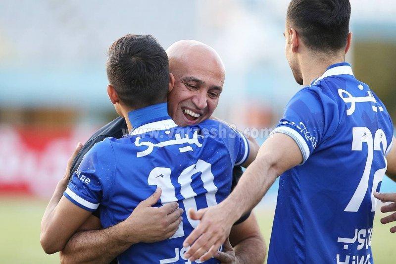 برخورد گرم قایدی و منصوریان پیش از بازی امروز/عکس
